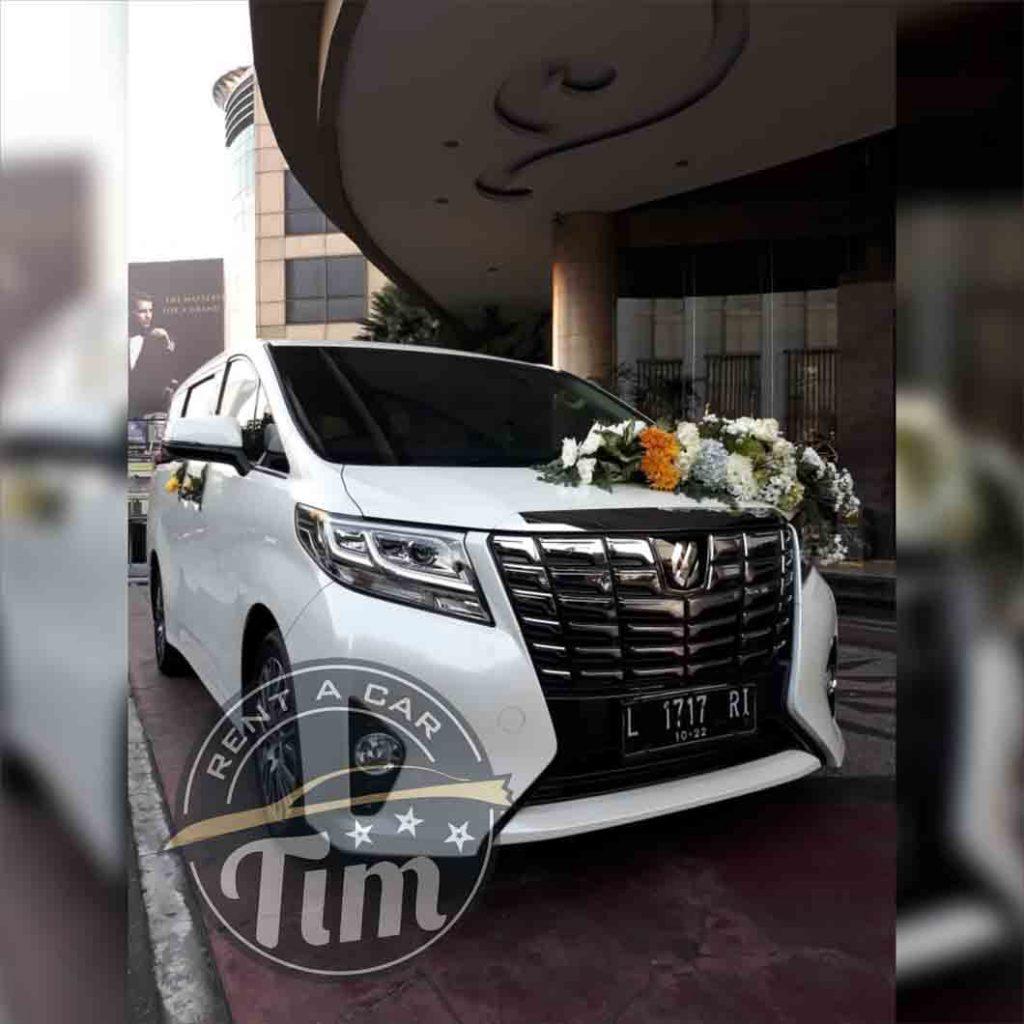 perusahaan rental mobil surabaya